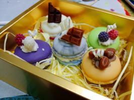 Macaron_candle_2.jpg